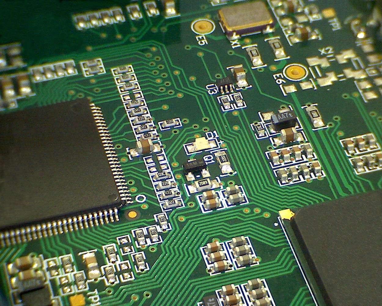 Sistemi e Moduli DigitaliSviluppo di hardware